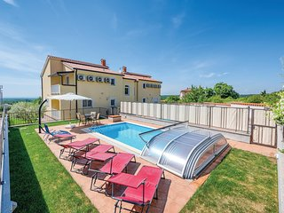 Beautiful home in Baderna w/ WiFi and 3 Bedrooms (CIL641)