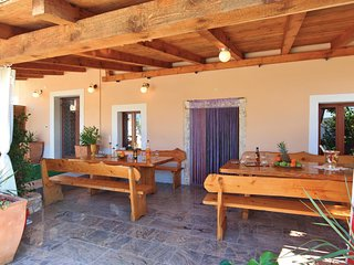 Stunning home in Kuzinici w/ WiFi and 5 Bedrooms