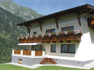 Amazing home in Rauris w/ 2 Bedrooms