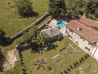 Beautiful home in Blazucici w/ WiFi and 2 Bedrooms