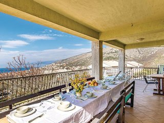 Awesome home in Senj w/ 4 Bedrooms
