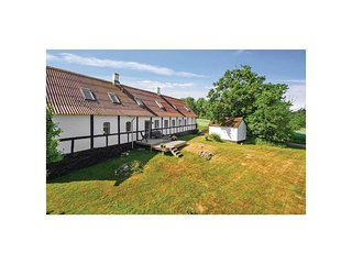 Beautiful home in Allinge w/ WiFi and 4 Bedrooms