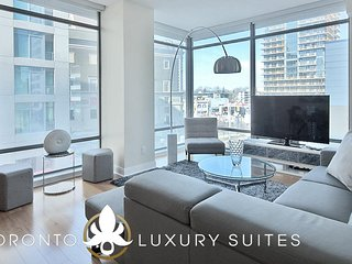 Charm - Fully Furnished Luxury Executive Condo Yorkville
