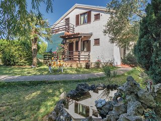 Awesome home in Krnica w/ WiFi and 2 Bedrooms