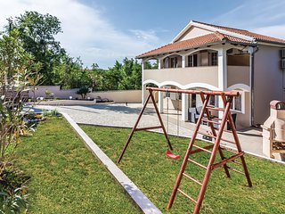 Awesome home in Pavicini w/ WiFi and 2 Bedrooms