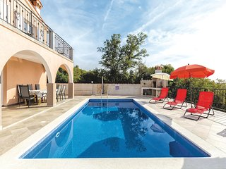Amazing home in Koromacno w/ WiFi and 4 Bedrooms