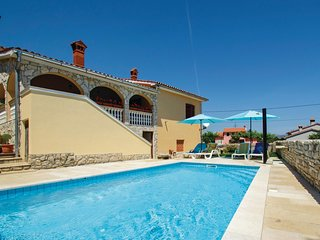 Nice home in Labin w/ WiFi and 3 Bedrooms (CIO115)
