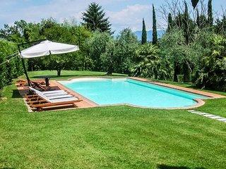 Vorno Villa Sleeps 12 with Pool Air Con and WiFi - 5762635
