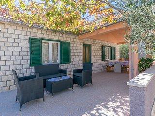 House Santa Barbara (33842-K1)