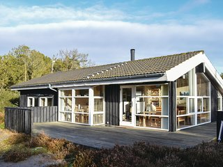Awesome home in Ålbæk w/ Sauna, 3 Bedrooms and WiFi