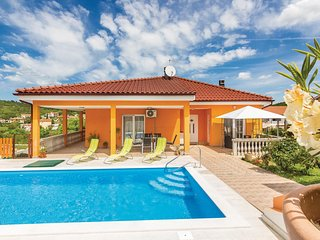 Amazing home in Sorici w/ WiFi and 2 Bedrooms