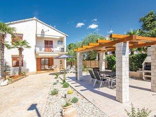 Nice home in Rovinj w/ 2 Bedrooms (CIV311)