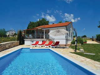 Beautiful home in Kanfanar w/ WiFi and 2 Bedrooms