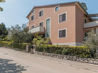 Beautiful home in Rovinj w/ WiFi and 2 Bedrooms (CIV291)
