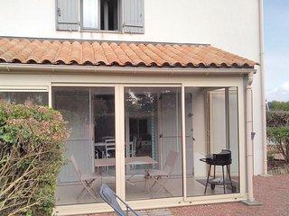 Amazing home in La Tranche-sur-Mer w/ 2 Bedrooms