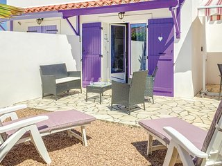 Stunning home in Faute sur Mer w/ WiFi and 2 Bedrooms