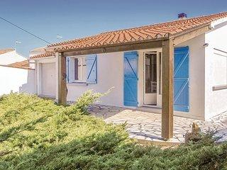Nice home in La Tranche-sur-Mer w/ 2 Bedrooms