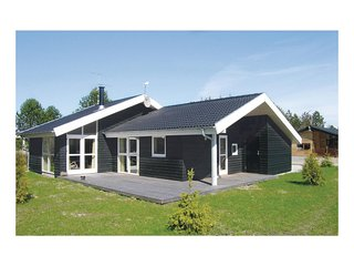 Awesome home in Ålbæk w/ Sauna and 3 Bedrooms