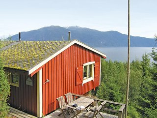 Nice home in Balestrand w/ 3 Bedrooms