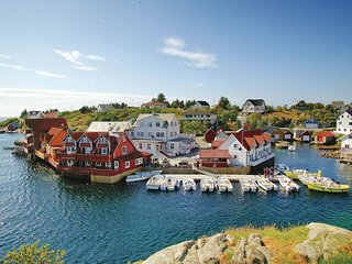Stunning home in Tjeldstø w/ WiFi and 2 Bedrooms