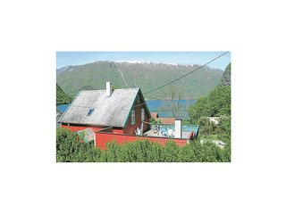 Stunning home in Vik I Sogn w/ Sauna, WiFi and 5 Bedrooms (N22720)