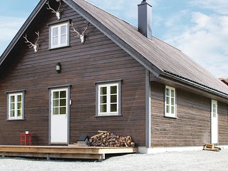 Nice home in Borgund w/ Sauna and 4 Bedrooms