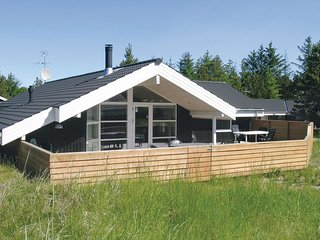 Nice home in Ålbæk w/ Sauna, WiFi and 5 Bedrooms (A17758)