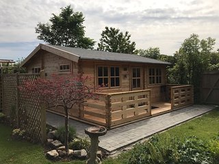 Cosy Log Cabin near Historic Chester City
