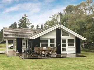 Awesome home in Ålbæk w/ Sauna, WiFi and 3 Bedrooms