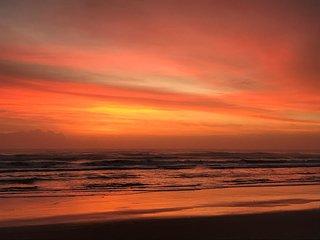 Cocoa Beach Getaway 2bed 2bath Condo