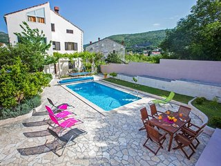 Villa Roza - One-Bedroom Apartment