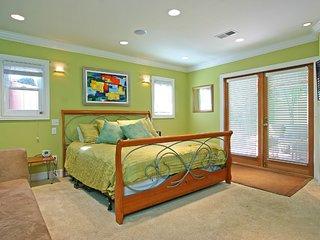 Quaint 1 Bedroom near the beach