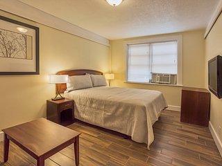 Deluxe Queen Bed Room 2