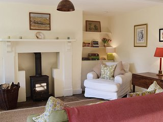 College Farm Cottage, Lechlade, Cotswolds - Sleeps 3, dog friendly, Lechlade, Co