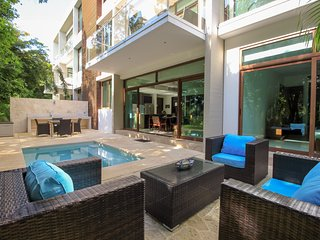 Luxury 2 bedrooms Apartment with plunge pool and terrace