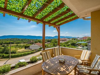 Skrbcici Apartment Sleeps 6 with Air Con and WiFi - 5717976