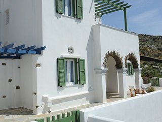 2 bedroom Apartment with Air Con, WiFi and Walk to Beach & Shops - 5774997