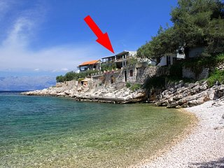 Two bedroom apartment Cove Zarace (Gdinj) (Hvar) (A-8712-a)