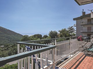 Awesome home in Capaccio (SA) w/ 2 Bedrooms