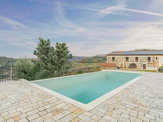 Amazing home in Torchiara w/ WiFi, Outdoor swimming pool and 8 Bedrooms
