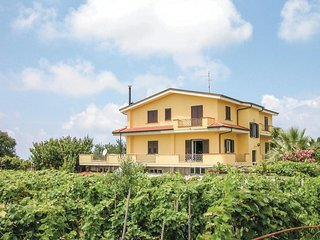 Beautiful home in Brattirò VV w/ WiFi and 2 Bedrooms (IKK140)