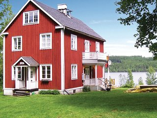 Awesome home in Grythyttan w/ Sauna, WiFi and 4 Bedrooms (S43122)