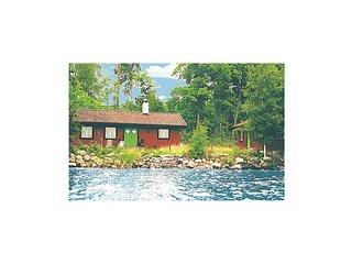 Amazing home in Stavsjö w/ Sauna and 3 Bedrooms