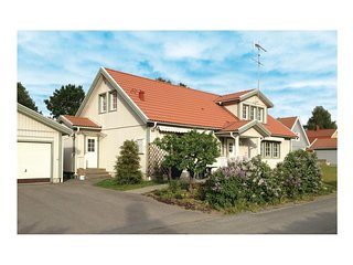 Awesome home in Sollentuna w/ WiFi and 5 Bedrooms (S44038)