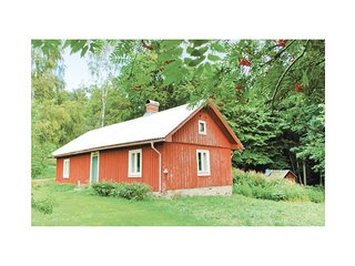 Nice home in Dalskog w/ 1 Bedrooms