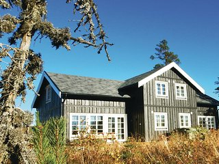 Awesome home in Syssleback w/ Sauna and 3 Bedrooms