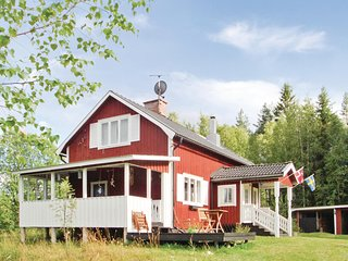 Amazing home in Lesjöfors w/ Sauna and 3 Bedrooms