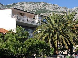Makarska Apartment Sleeps 2 with Air Con - 5776315