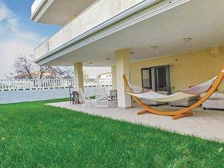 Stunning home in Briatico (VV) w/ 3 Bedrooms (IKK227)