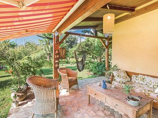 Stunning home in S. Maria di Ricadi VV w/ WiFi and 4 Bedrooms